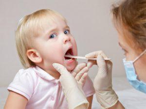 Phòng viêm phổi cho trẻ vào mùa lạnh